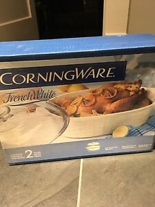 Unopened Corning ware 2 piece 4qt roaster with glass cover