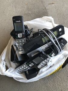 Cordless phone set of 3 with message manager