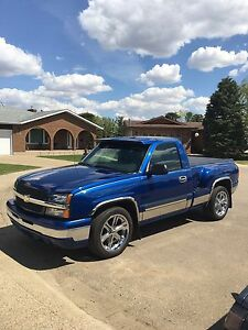 2003 Chevy  Silverado LS Short box Stepside