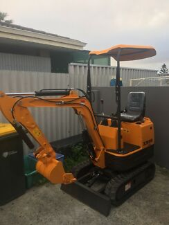 Brand new 0.8 tonne mini excavator, cheap/ reliable hire
