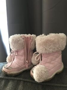 Baby girl pink size 4 warm winter boots
