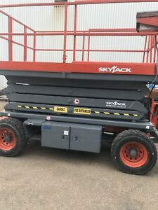 Scissor lift Skyjack SJ 7135RT 4x4 inspection fait