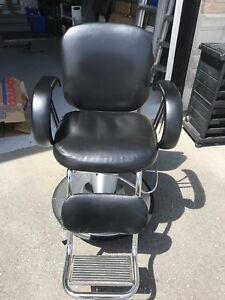 Salon Chairs / barber chairs / Salon Furniture