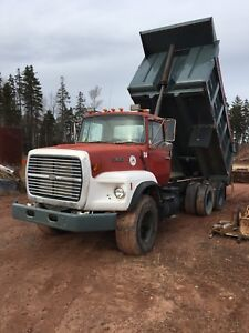 1989 Ford 9000