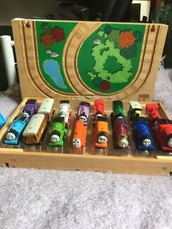 Thomas wooden storage box/ tracks contains 14 engines & 2 carriages