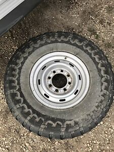 285/75R16 toyo open country