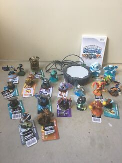 Skylanders spyro adventure for wii including figures