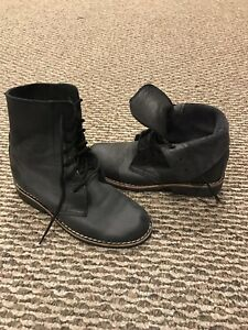 Vintage ROOTS Tribe Leather Boots, size 5.5 (gently worn)