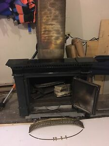 Vermont Casting fireplace insert wood burning stove