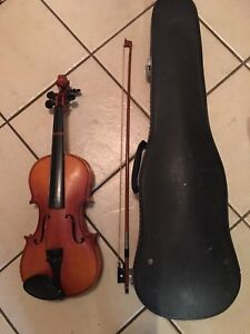 Violin, 3/4 with bow and case