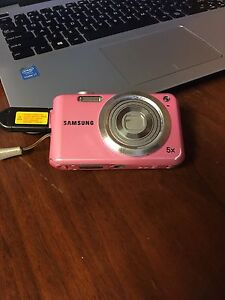 Selling Samsung Pink Digital Camera