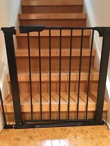 Kiddo auto close door baby gate and extension