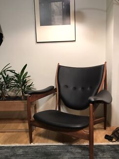 Replica Chieftain Chair mid century retro vintage style