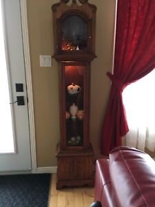 Boîtier horloge transformé en étagère