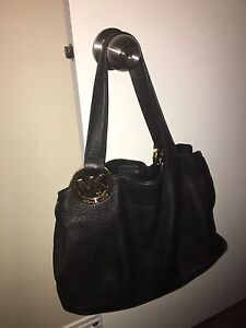 Authentic mk purse (barely used)