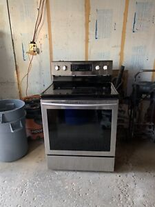 Samsung electric stove/oven/range - great condition