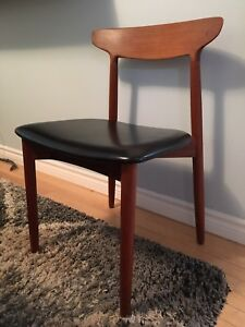 Mid century modern Danish Teak accent/desk/side chair