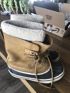 Wind river Winter boots size 8