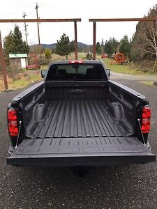 2016 Chevrolet / GMC 3500 Dually Black Long Box and Tailgate