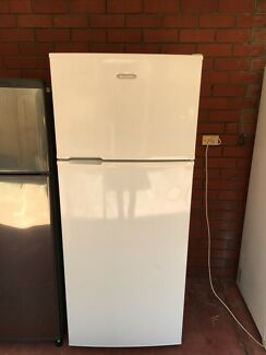 Simpson 393L fridge freezer