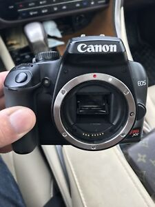 Canon EOS Rebel XS Camera 10.1 MP digital SLR camera