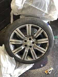 Range Rover tires and rims