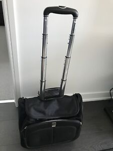 Travelpro small business case / rolling carryon