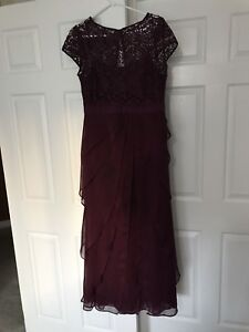 Melanie Lyne Dress Size 6