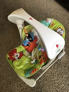 Fisher price bouncer + gym