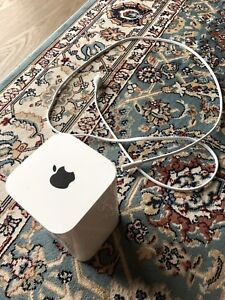 Apple AirPort Extreme 802.11ac WiFi Router