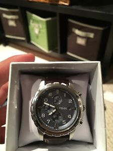 Like-New Deluxe Fossil Watch