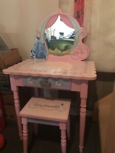 Princess vanity desk
