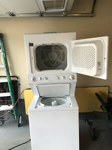 Washer Dryer Combo condo size Great Condition !!