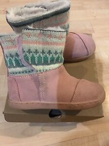 Girls toms boots