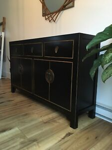 Like new! Modern solid wood credenza