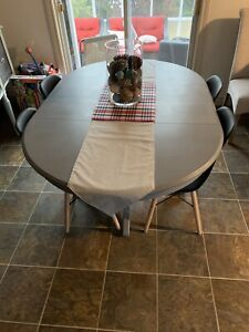 Dinning room table with