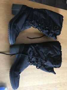 Warm fashionable winter boots size 41 or 10.5-11