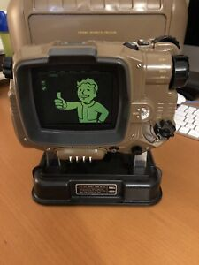 Fallout 4 Xbox One Pip-Boy With Case And Unused Game