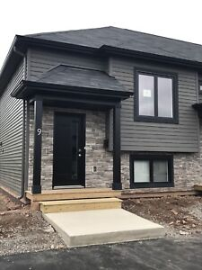 New Modern Townhouse for rent February 1, 2018