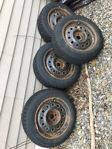 Jantes et pneus d'hiver subaru 215 60 16