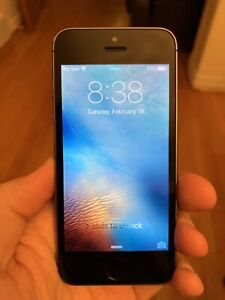 iPhone 5s 64Gb Locked with Telus - Silver