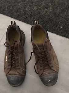 Size 10.5 Cats steel toe hiker shoes