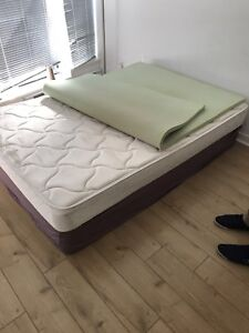 Full size mattress and box spring