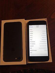 iPhone 7 Black Rogers 32Gb Brand New