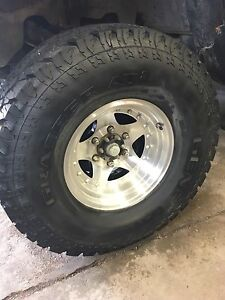 33x12.5-15 general grabber at2 6bolt Toyota or Chevy