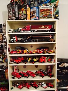 Looking to buy 1:24 or 1:18 diecast collection