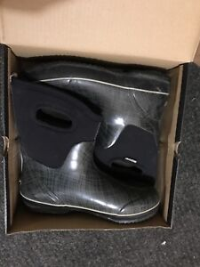 Boogs boots - women's size 11