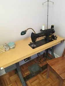 Sewing machine Singer plus all accessories