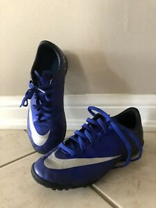 Soccer shoes turf 1Y Nike