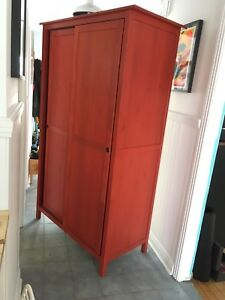 Armoire/penderie IKEA rouge